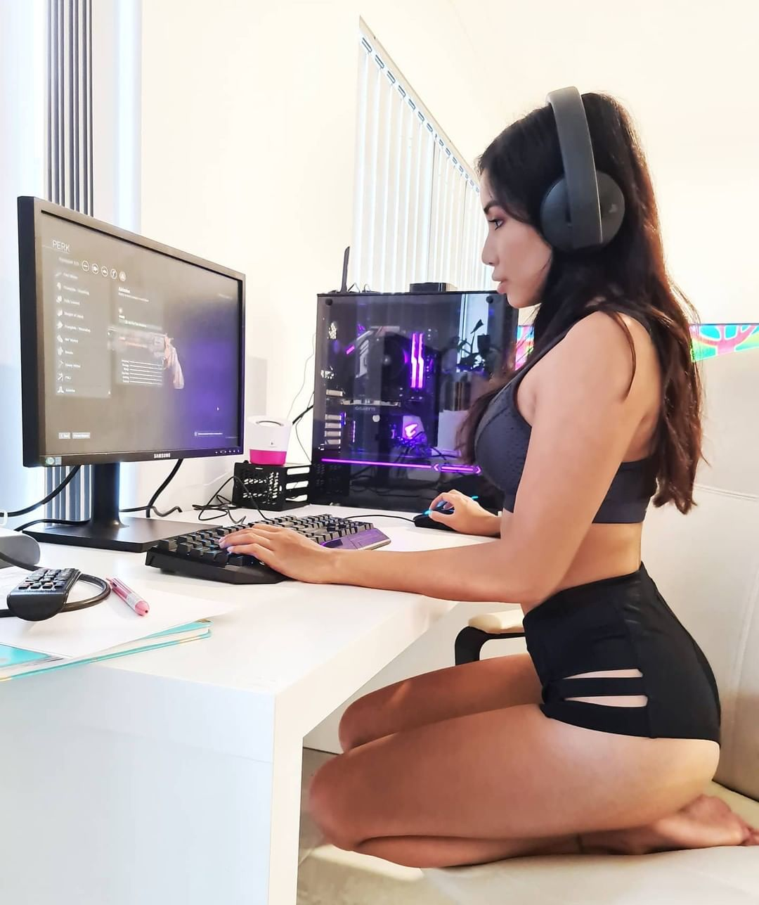 CHICAS GAMERS: ME GUSTO SU PC