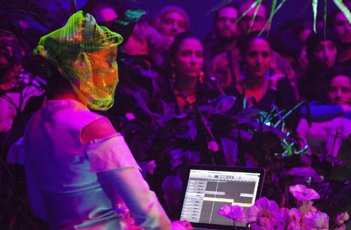 Björk estrenó con éxito la exposición Björk Digital
