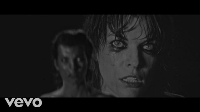SOHN ha unido fuerzas con Milla Jovovich para el video de su más reciente sencillo 'Signal'.  en MUSICA.  Chicas Rockeras!