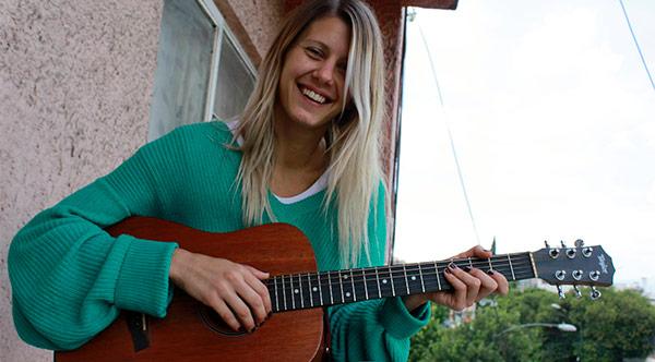 Entrevista a Mari3l  en CHICAS ROCKERAS.  Chicas Rockeras!