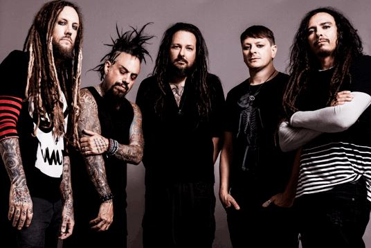 KORN y COREY TAYLOR unen fuerzas en 'A DIFFERENT WORLD' en MUSICA.  Chicas Rockeras!