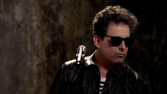 Andrés Calamaro estrena Volumen 11 en MUSICA.  Chicas Rockeras!