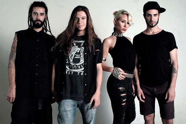 VALENTINA COOKE, el rock argentino se renueva y muestra su interesante rostro femenino. en CHICAS ROCKERS.  Chicas Rockeras!
