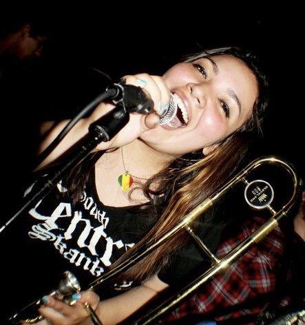 JOSIE QUINTANILLA en CHICAS ROCKERAS.  Chicas Rockeras!