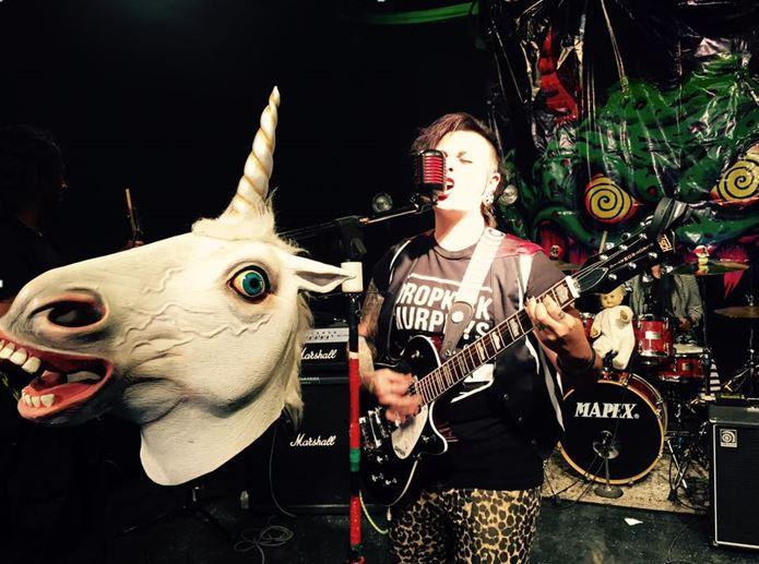 Conoce a Joss Mallowe, vocalista de MORGAN FRIKZ