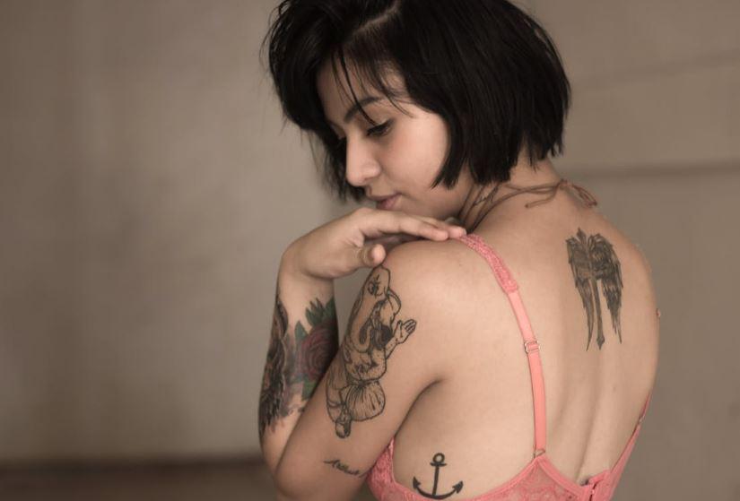 Cosas que debes saber antes de removerte un tatuaje con láser. en MODA Y BELLEZA.  Chicas Rockeras!