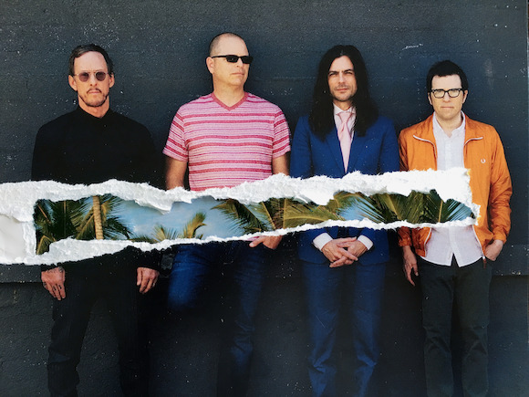 WEEZER regresa a México y estará presente en el Bud Light Hellow Festival en EVENTOS.  Chicas Rockeras!