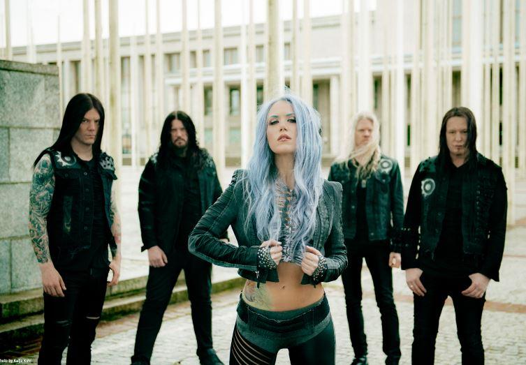 Arch Enemy prepara el lanzamiento mundial de Will To Power, su nueva producción discográfica en MUSICA.  Chicas Rockeras!