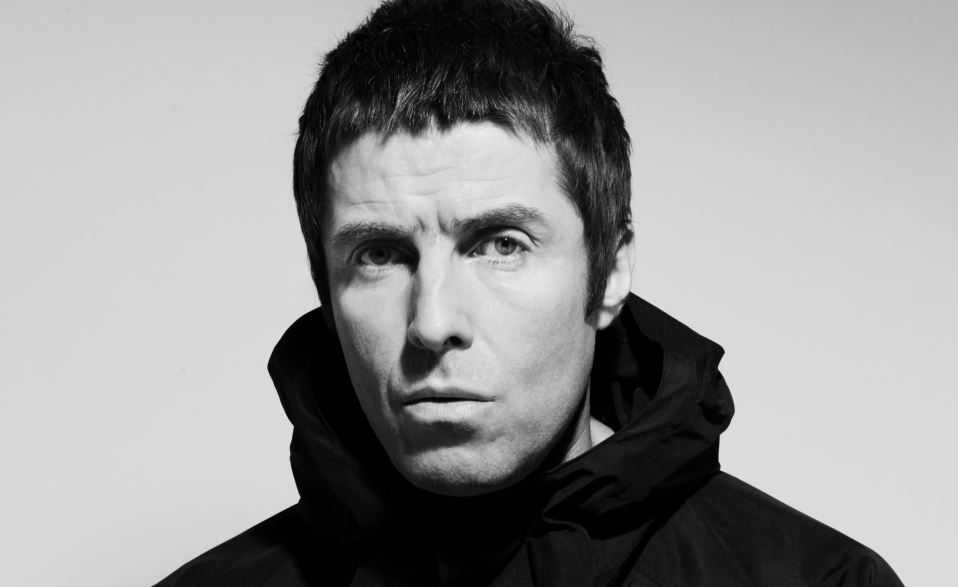 LIAM GALLAGHER regresa con As You Were, su disco debut como solista en MUSICA.  Chicas Rockeras!