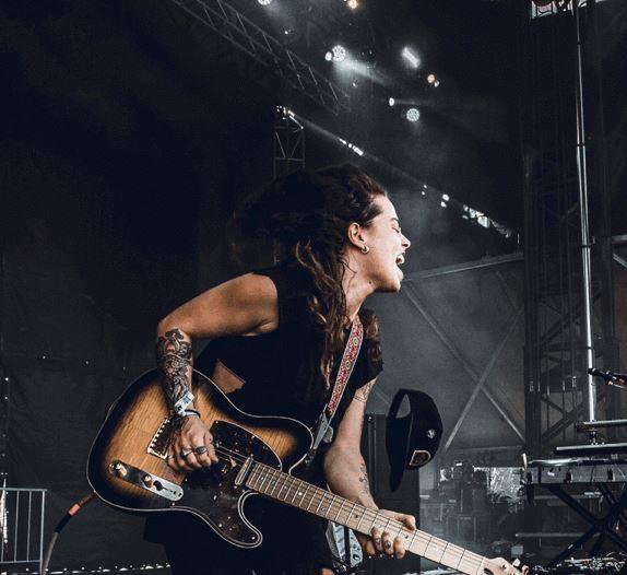 TASH SULTANA por presentarse en México en EVENTOS.  Chicas Rockeras!