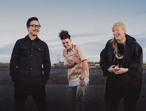 RANDOM RECIPE anuncia gira Latinoamericana en MUSICA.  Chicas Rockeras!
