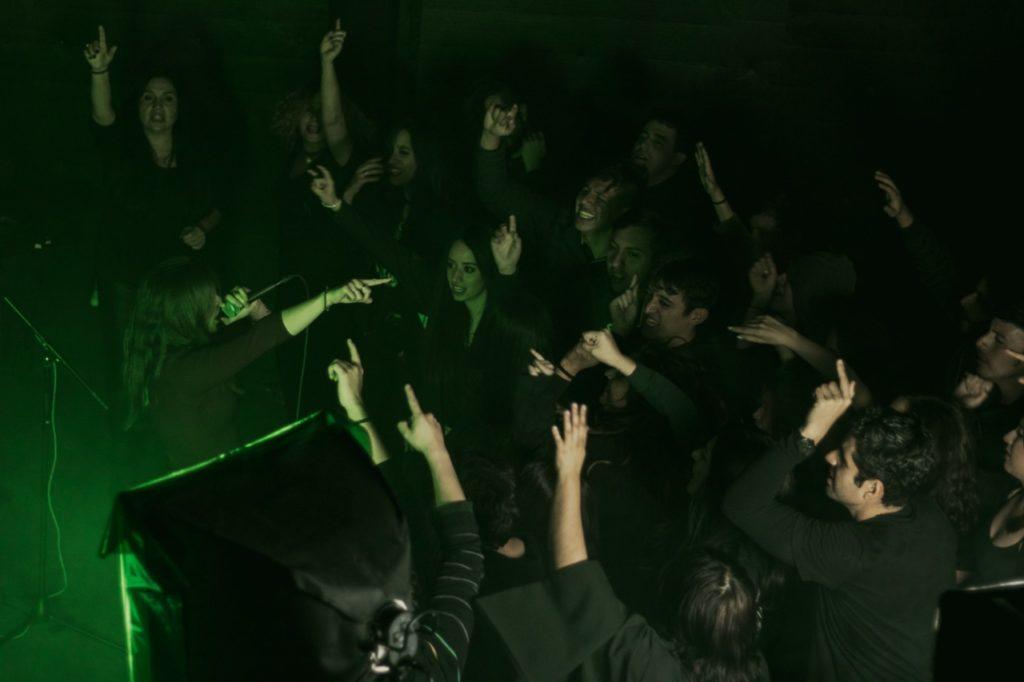 Velvet Darkness presenta 'Death Eaters', su nuevo sencillo en MUSICA.  Chicas Rockeras!