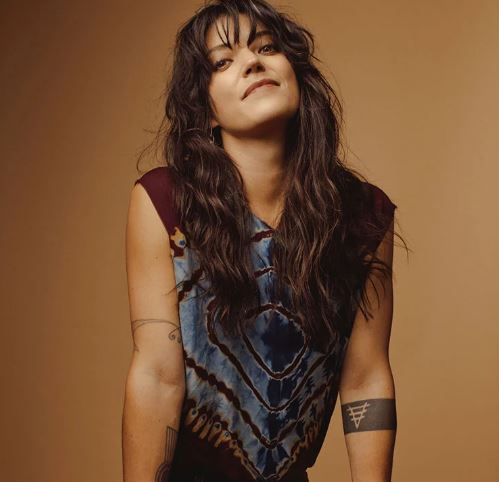 Sharon Van Etten presenta Remind me Tomorrow