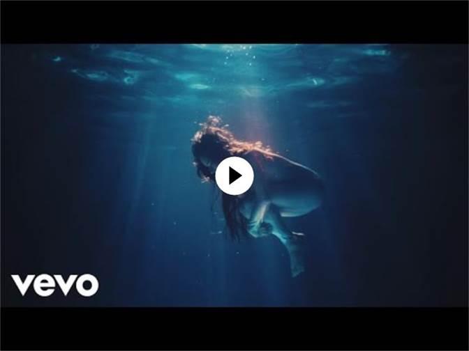 MONSIEUR PERINÉ Anuncia su gira mundial y estrena video 'La sombra'