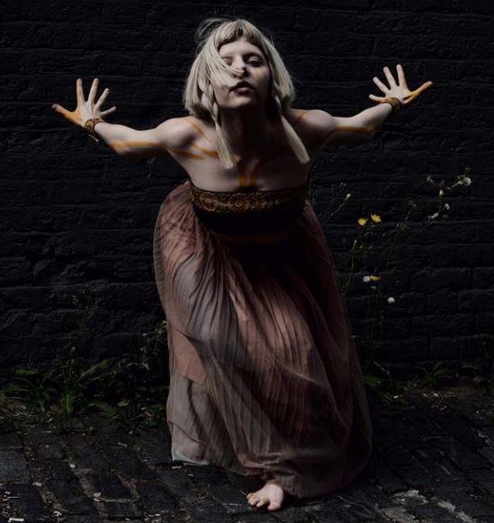 AURORA aborda temas pertinentes con su nuevo sencillo  THE SEED