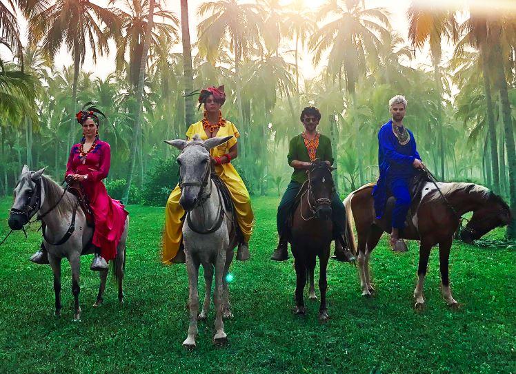 SOFI TUKKER Colabora con BOMBA ESTÉREO en Playa Grande en MUSICA.  Chicas Rockeras!