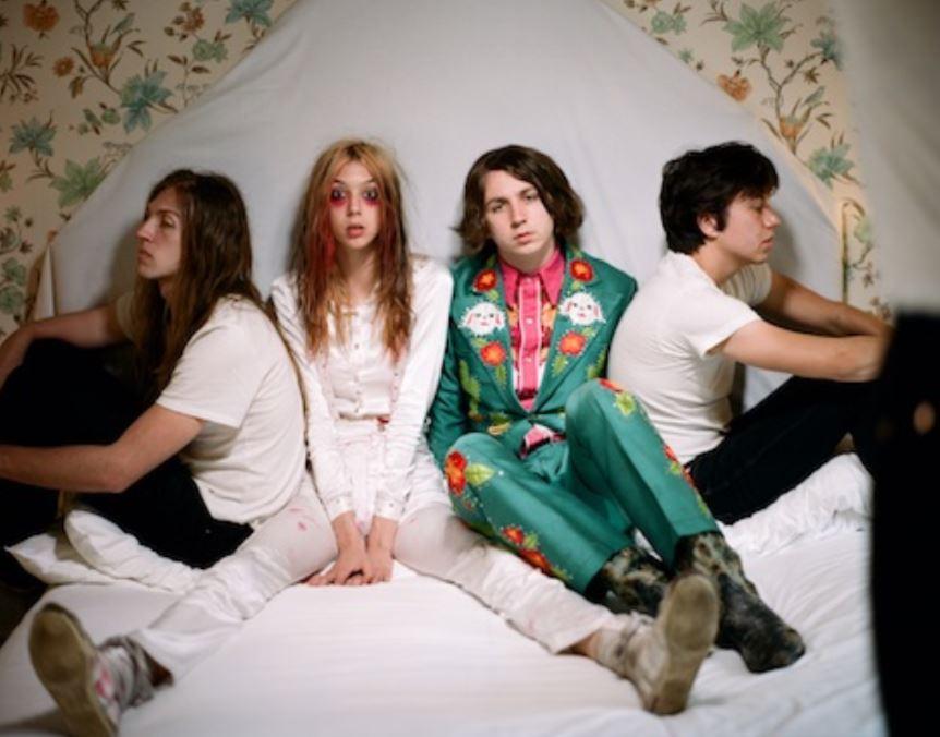 STARCRAWLER ANUNCIA SU SEGUNDO LP DEVOUR en MUSICA.  Chicas Rockeras!