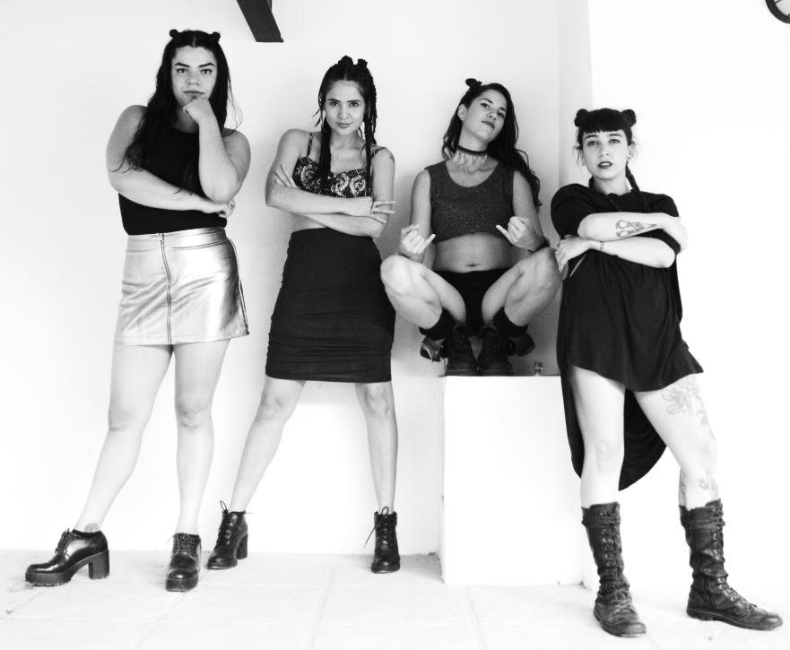 Neptuna sigue luciendo su talento junto a Café Tacvba en MUSICA.  Chicas Rockeras!