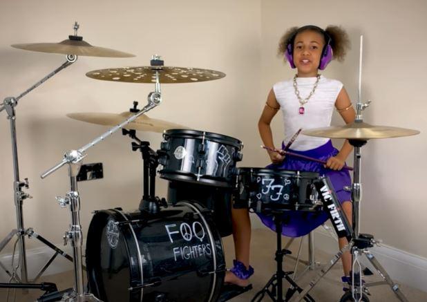 Dave Grohl escribe canción a la niña NANDI BUSHELL como parte de un desafio