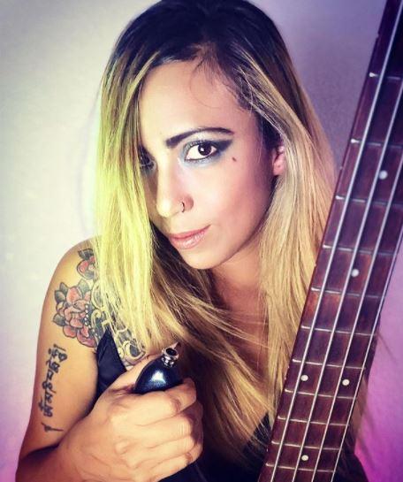 Entrevista con Lina Stoner vocalista de Magenta en CHICAS ROCKERAS.  Chicas Rockeras!